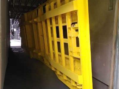 element malowany na żółto 03